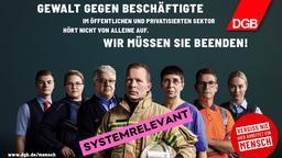 """Plakatmotive der """"Vergiss nie, hier arbeitet ein Mensch"""" Initiative mit Störer """"systemrelevant"""""""