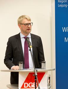 Der Redner Erik Wolf